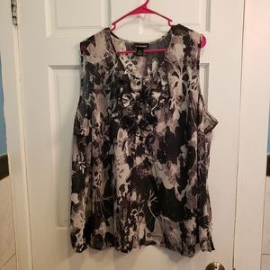 Lane bryant size 26 sleeveless top